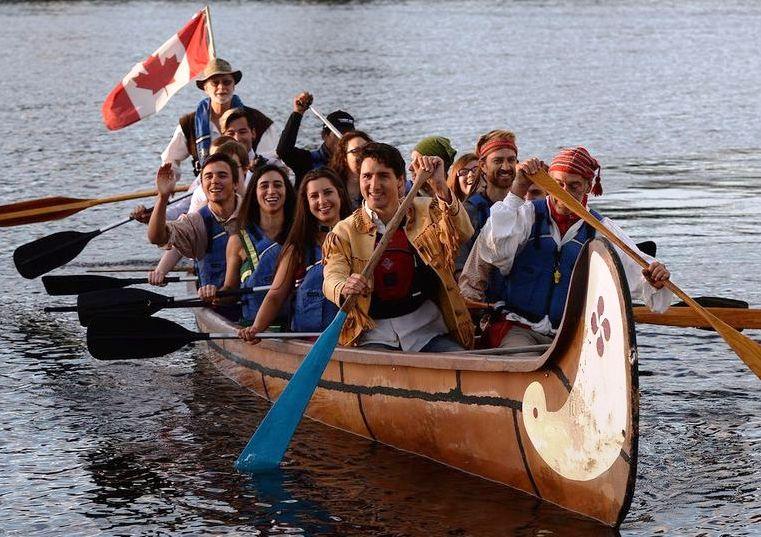 Trudeau canoe - Ottawa Citizen.jpg