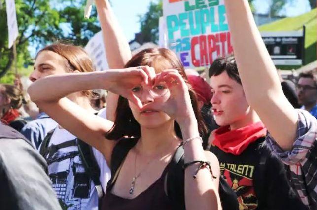 G7 demonstrators - Jonathan Monpetit, CBC.JPG