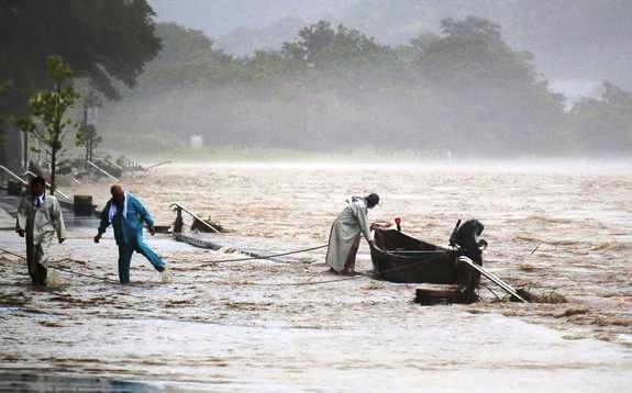 Flooding - Y. Shimbun, AP.jpg