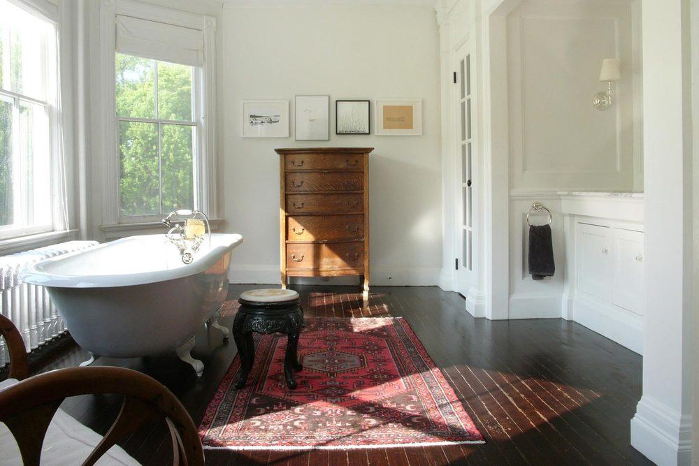 T-master-bathroom-persian-clawfoot.jpg