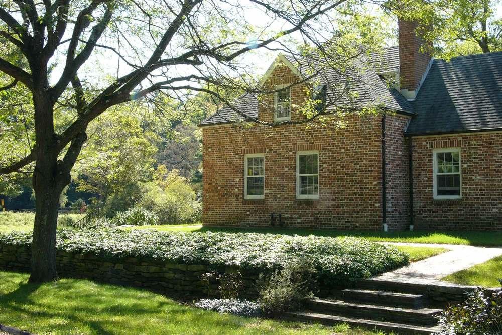 G-brick-house-L1120002.jpg