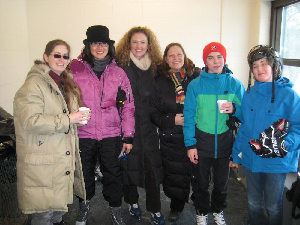 Glenview skaters