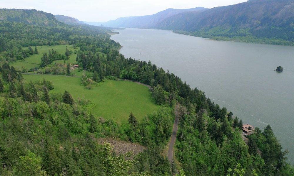 Columbia River Viewpoint.jpg