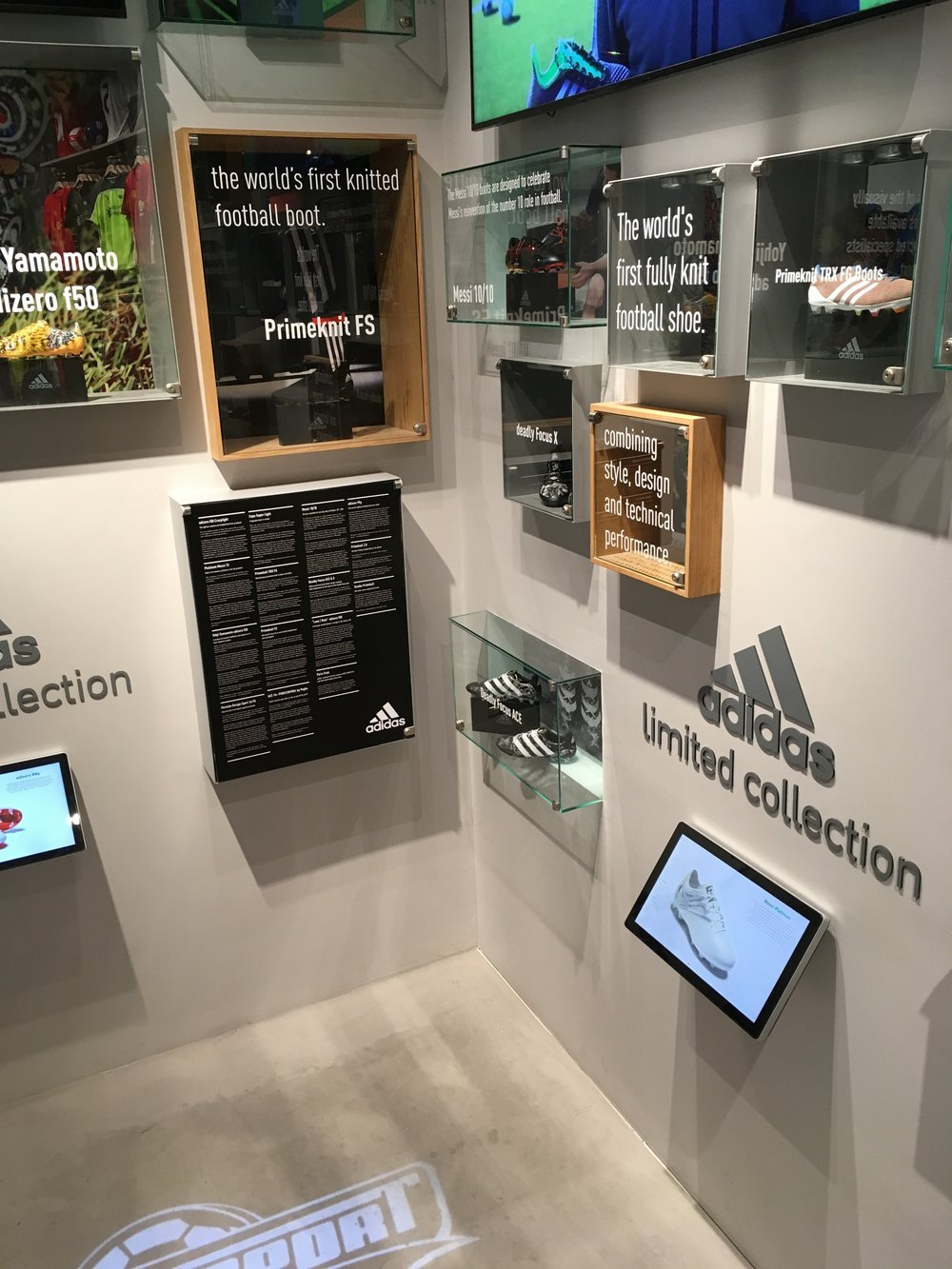 UNISPORT FLAGSHIP STORE: Adidas udstilling