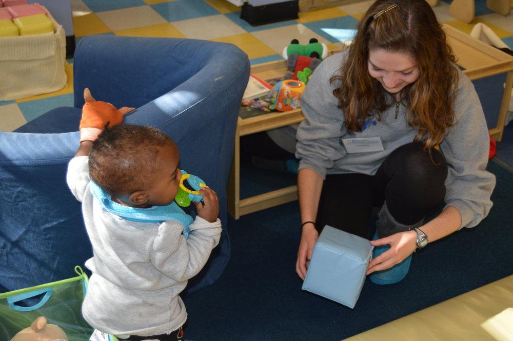 An engageDC volunteer at Bright Beginnings