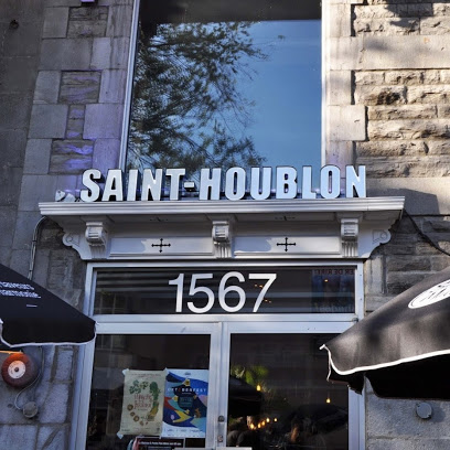 ($) Saint-Houblon - 1567 St-Denis StreetGourmet pub serving beers from microbreweries.