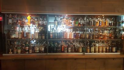($$)Pub Ile Noire - 1649 rue St-DenisBar spécialisé dans les scotches.
