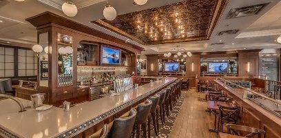 ($$) Rotisserie St-Hubert - 100 rue Sainte-Catherine O.Bar et Grill