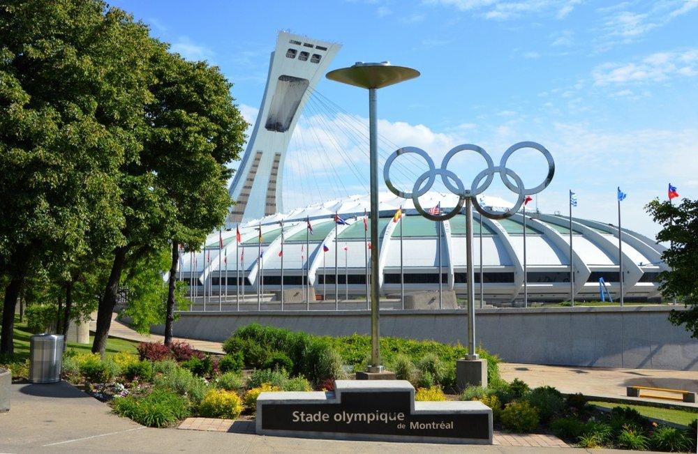 - Le Stade Olympique(Possibilité de visiter les installations soeurs qui se composent du Jardin Botanique, le Biodôme et le Planétarium)