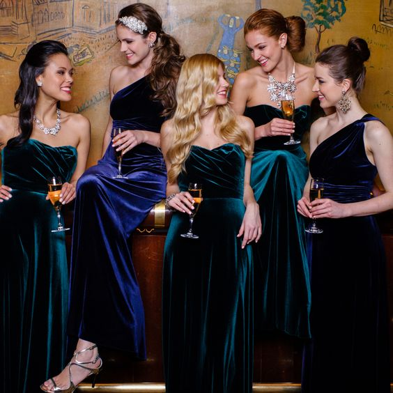 04-navy-and-emerald-velvet-bridesmaids-dresses.jpg