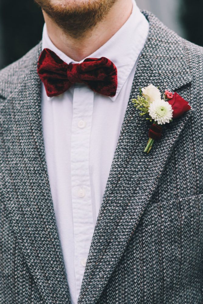 ebdeffbd7f1b3e0492b4b4e50f6cdfc3--velvet-bow-tie-manly-things.jpg