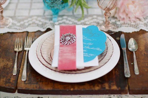 Velvet-Wrapped-Wedding-Napkin.jpg