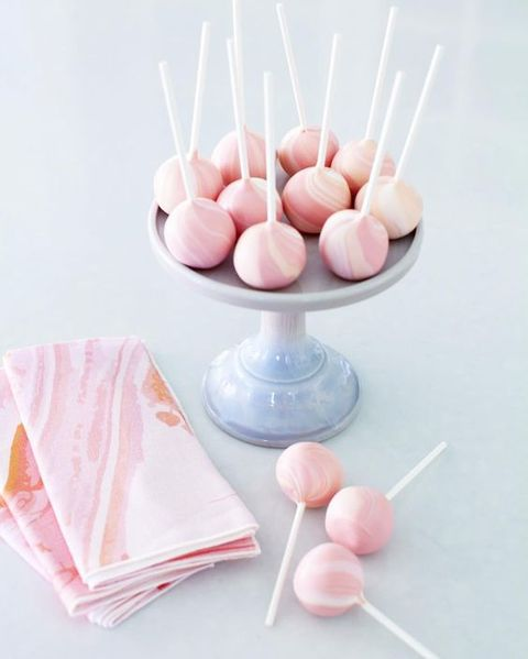 marbelized-cake-pops.jpg