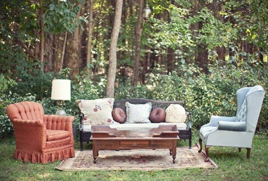 eclectic_outdoor_wedding_seating.jpg