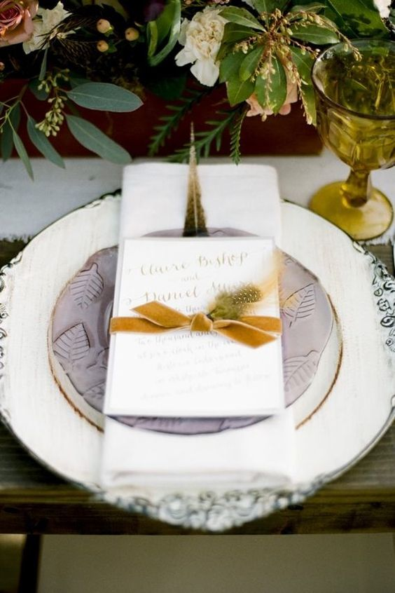 24-autumn-wedding-table-setting-with-a-hint-of-lilac-mustard.jpg