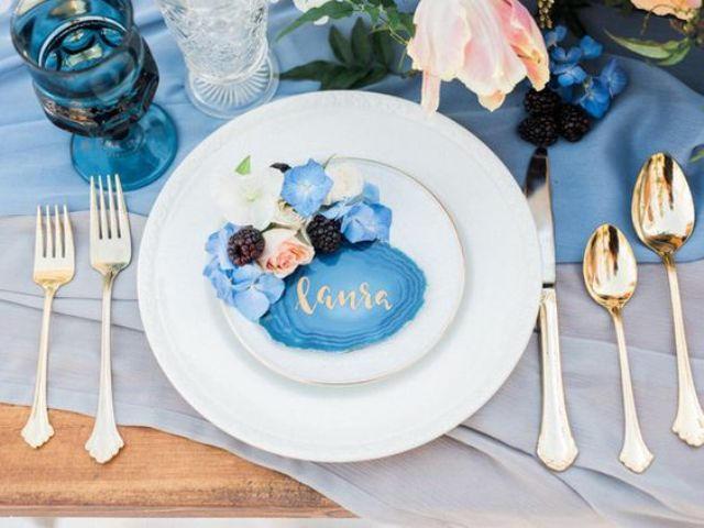 02-agate-place-cards-with-gold-calligraphy-blue-flowers-and-blackberries.jpg