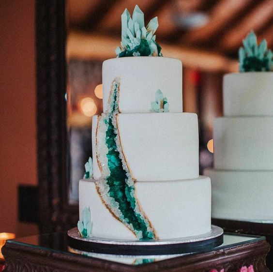 20-emerald-geode-wedding-cake-decorated-with-crystals-on-top.jpg