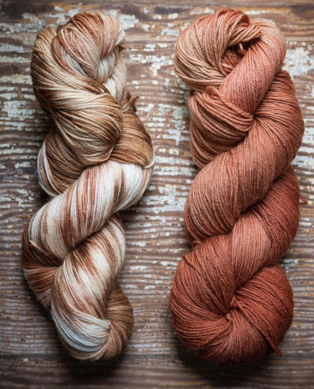 Playing with techniques. Left: Twist Dyeing Madder + Black Tea, Right: Dip Dyeing Madder
