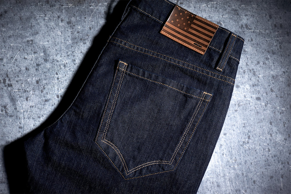 Wing tip back pocket