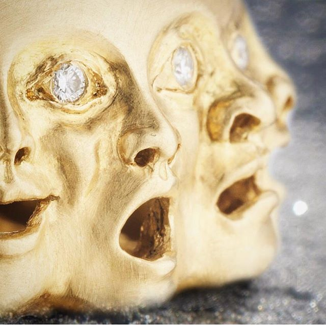 When you realize it's not August anymore. . . . #summerisover #september #ringsofinstagram #faces #emotions  #ring #jewelry #gold #luxurylifestyle #luxurywithaface