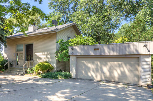 2850 MIDDLEBELT, WEST BLOOMFIELD | $279,000