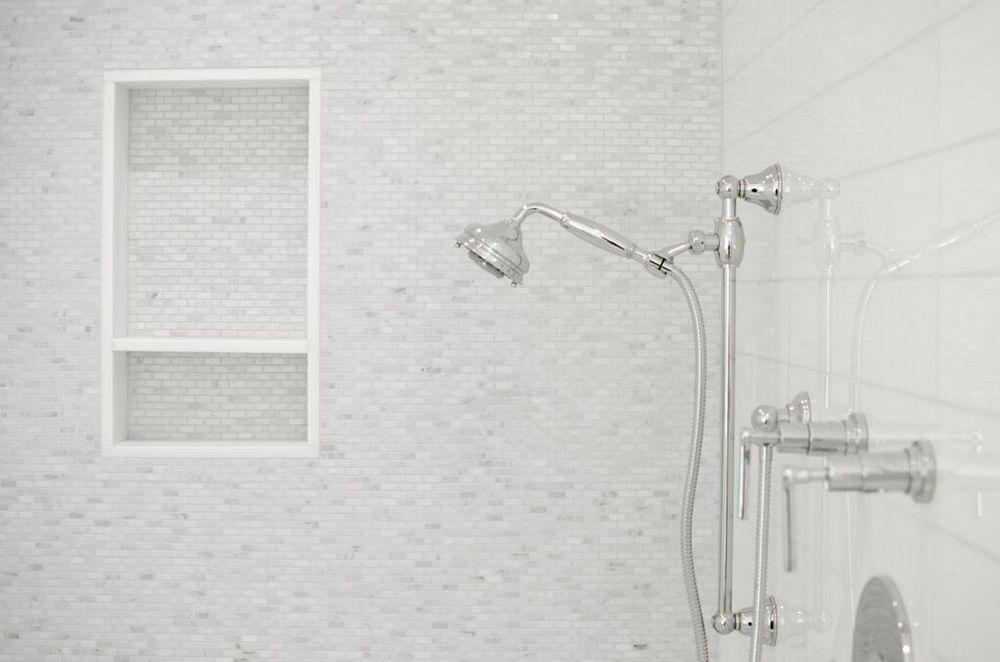 ©alliewood.com bathroom 82.jpeg