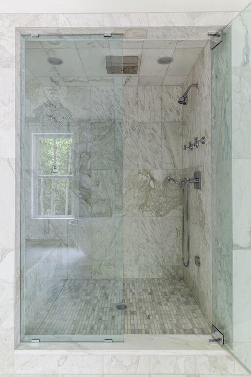 ©alliewood.com bathroom 14.jpeg