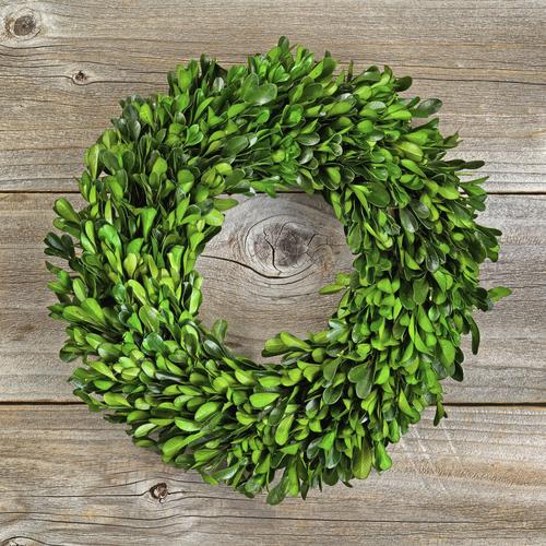 fresh boxwood wreath — Dundee Gardens