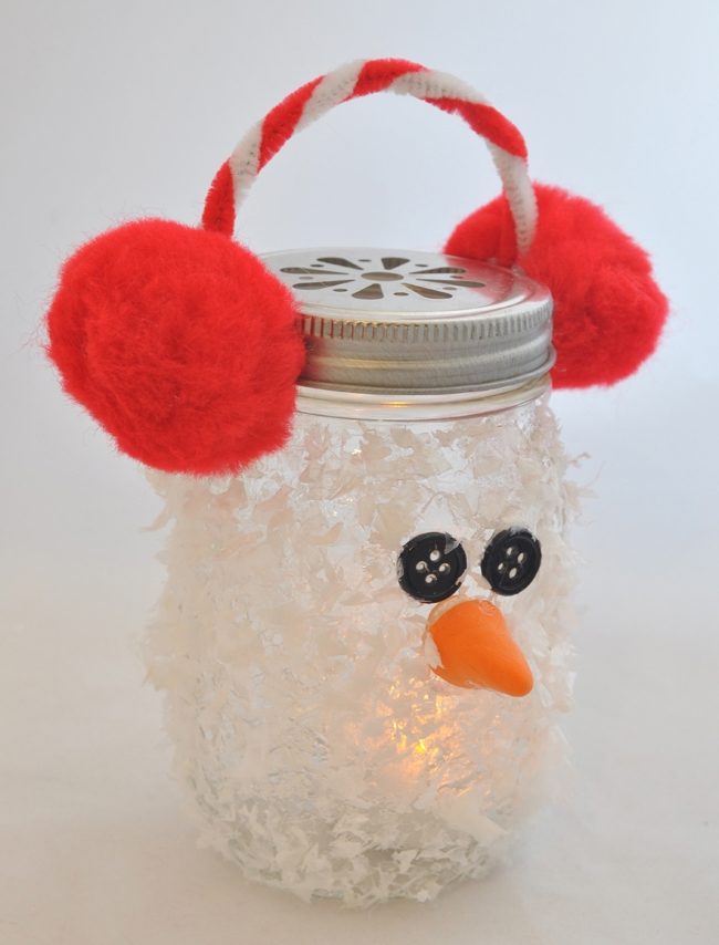 Snowman-Mason-Jar-Luminary-Holiday-Ornament-Craft.jpg