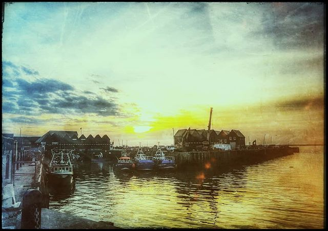 Whitstable harbour #igerskent #landscapephotography #landscapelovers #landscape #nature #naturephotography #naturelovers #picoftheday #photooftheday #prettykentcoast #visitkent #coast #kent #landscapephotography #kentcollective #natureworld #lovekent #whitstable #colours #filter #harbour #fishingboat #boats