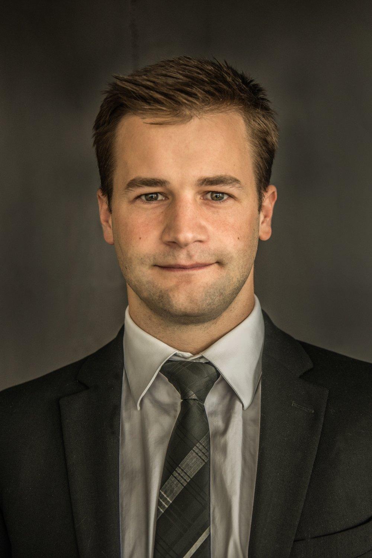 Tom Reimer, Associate