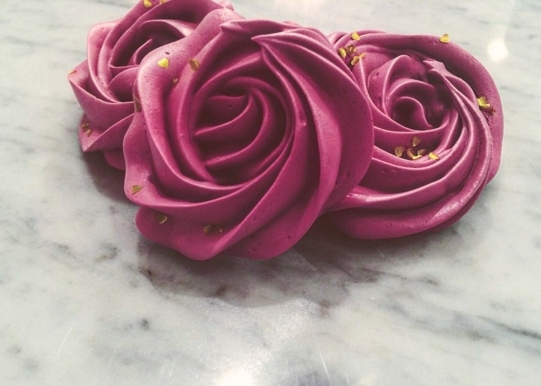FRENCH MERINGUES: Rose Collection Renée's customizes these French meringue roses in any color & flavor.  Gift set. $25