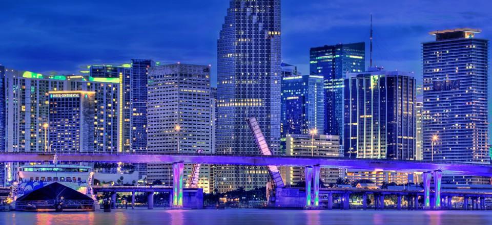 125_miami-downtown-skyline-miami-boat-rental-960x440.jpg
