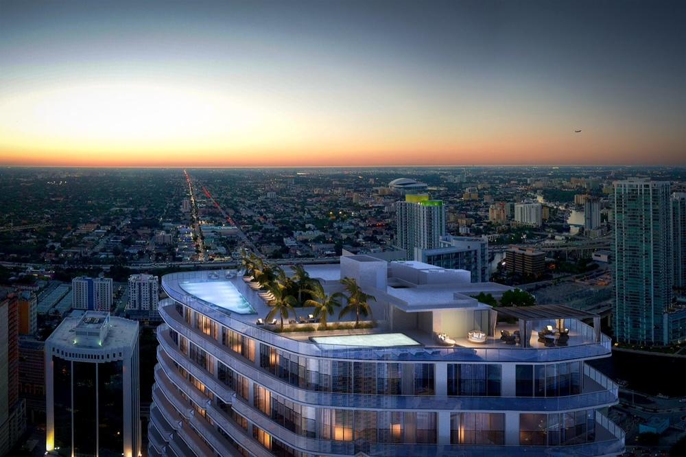 SLS-Lux-Brickell-Rooftop-Pool.jpeg