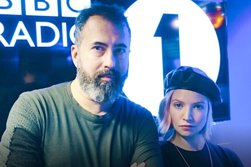 B.Traits plays Night Passage by 747 on her BBC Radio 1 show.