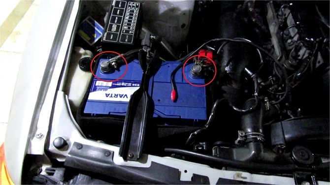 r32-gtr-battery-relocation