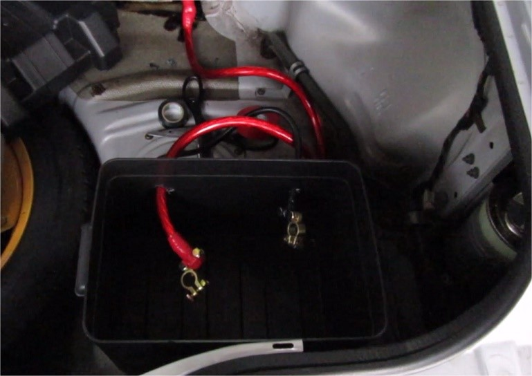 r32-gtr-battery-relocation2