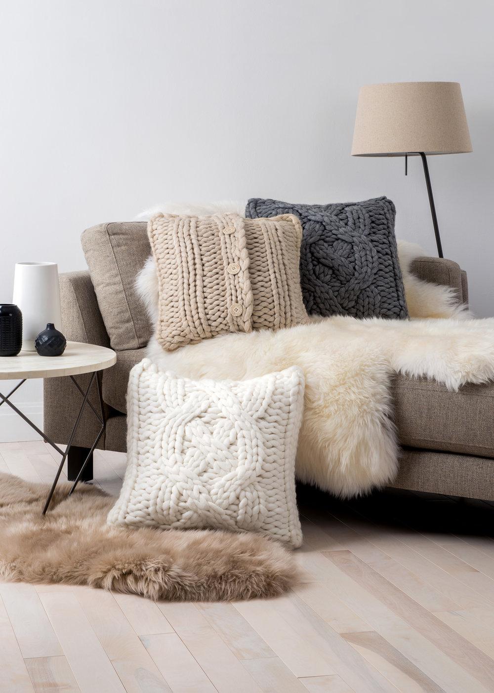 LS_pillows_ov_knit.JPG