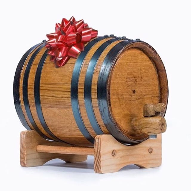 There's still time to get your barrels by Christmas!  Link in profile.  #buyoakbarrels