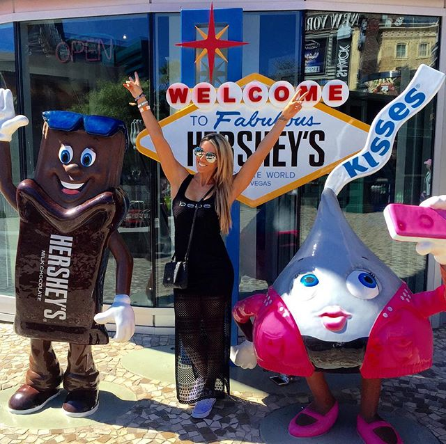 Hershey's World✅ M&M's World✅ Godiva's Chocolate✅ 🙊😜🙋🏼 #foodcoma #treatmonster #wheninvegas
