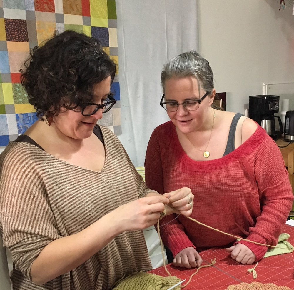 Knitting Studio - Level: Beginners/Intermediate