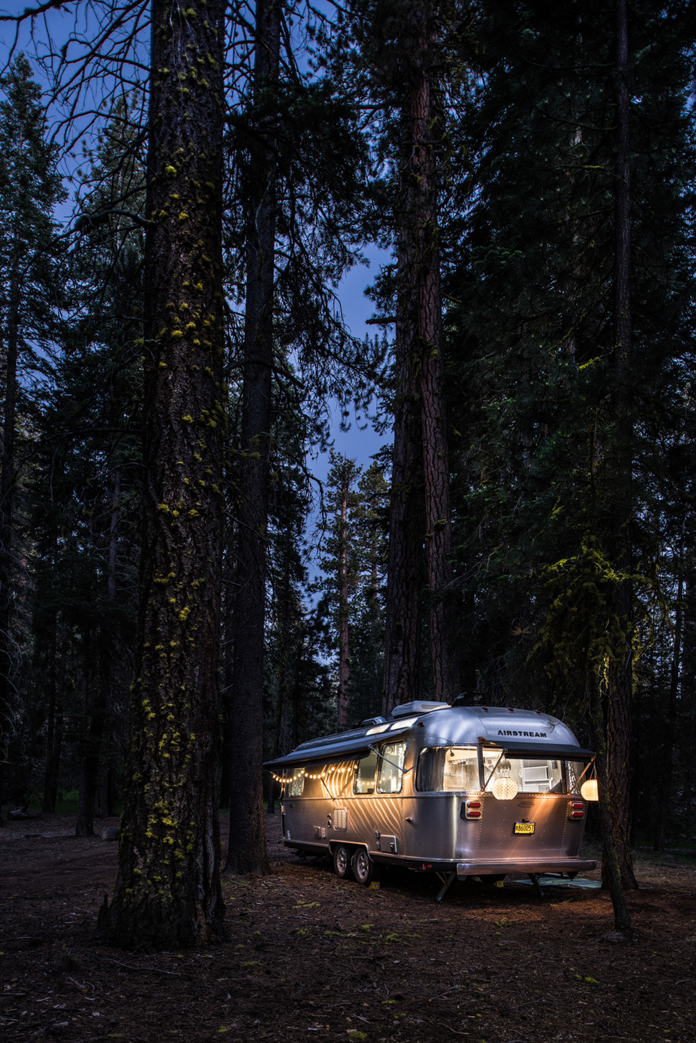 Such a pretty glowing Airstream!