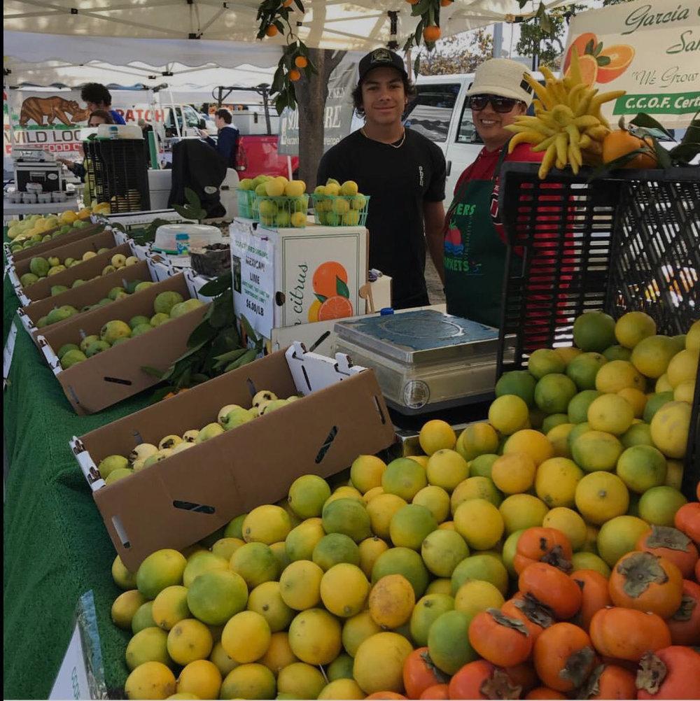 santa monica farmers market 1.jpg