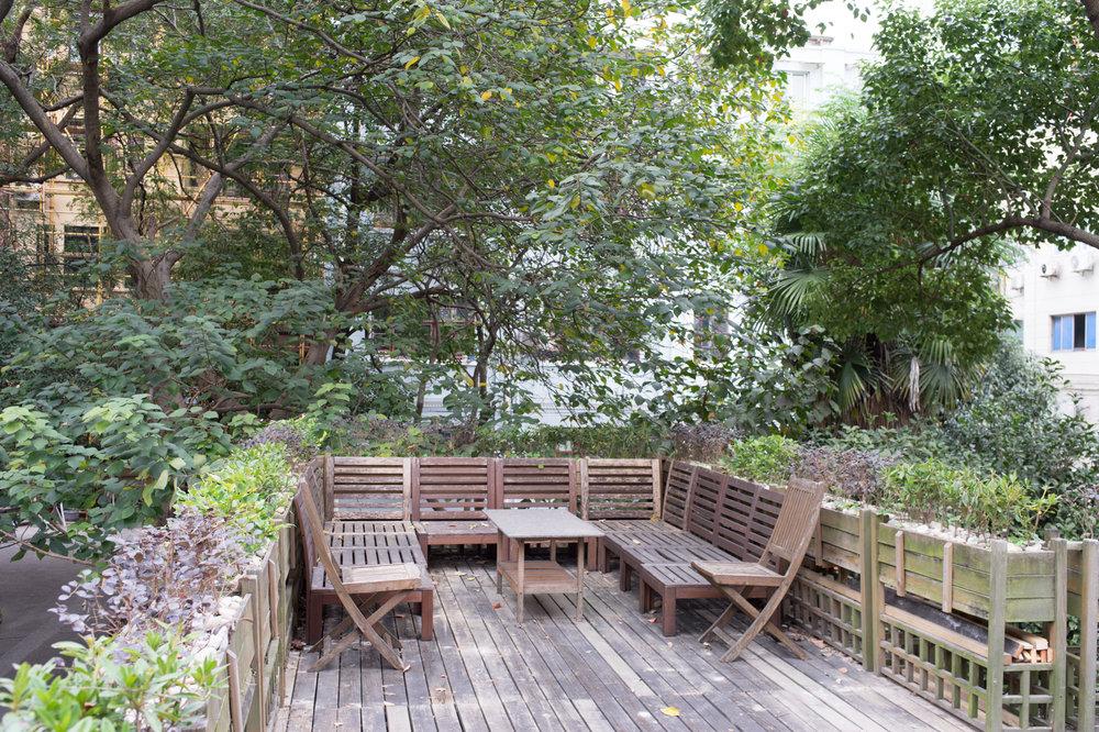 yan-artisans-patio