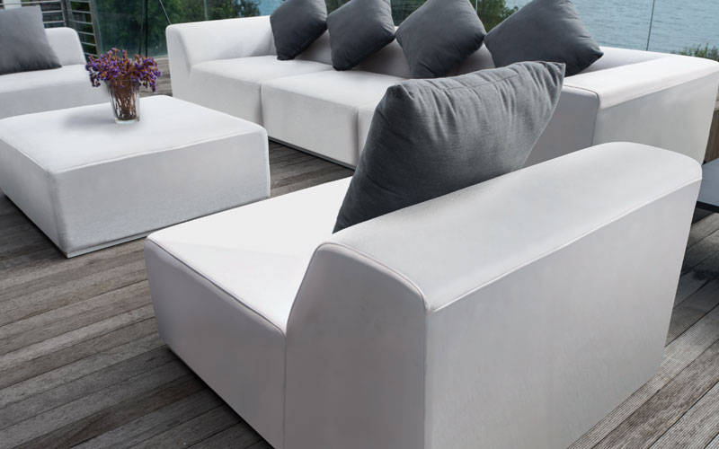 Bravo from Mobelli uses fabrics which are soft to the touch and resilent to dirt and UV. The foam core on all Mobelli cushions bounces back into the perfect shape after use.