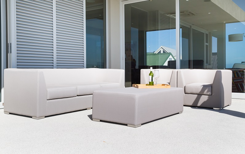 Sitting outside should not be a logistical operation. All Mobelli furniture can be left outside whatever the wether all year round.