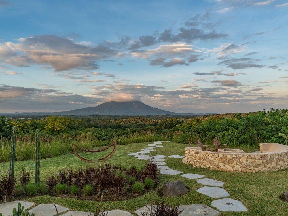 Exterior-Nekupe-Nicaragua-CRHotel.jpg