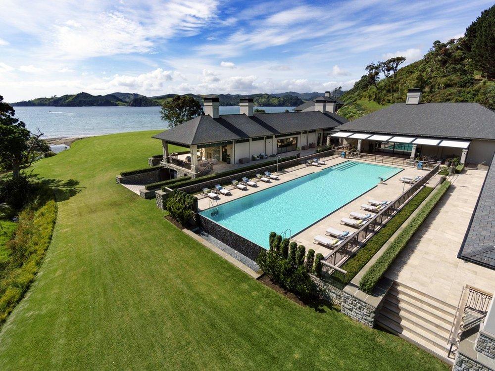 Pool-HelenaBayLodge-NewZealand-CRHotel.jpg