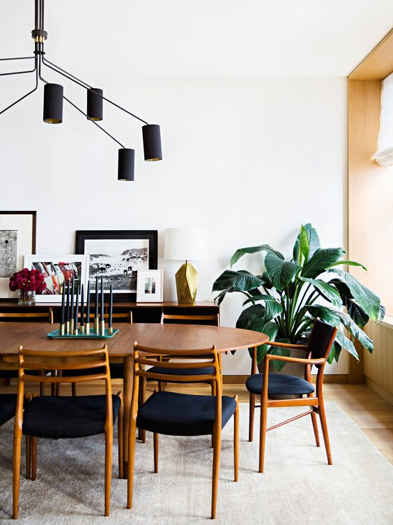 Stylish-midcentury-modern-dining-room-with-beautiful-wooden-dining-furniture.jpg