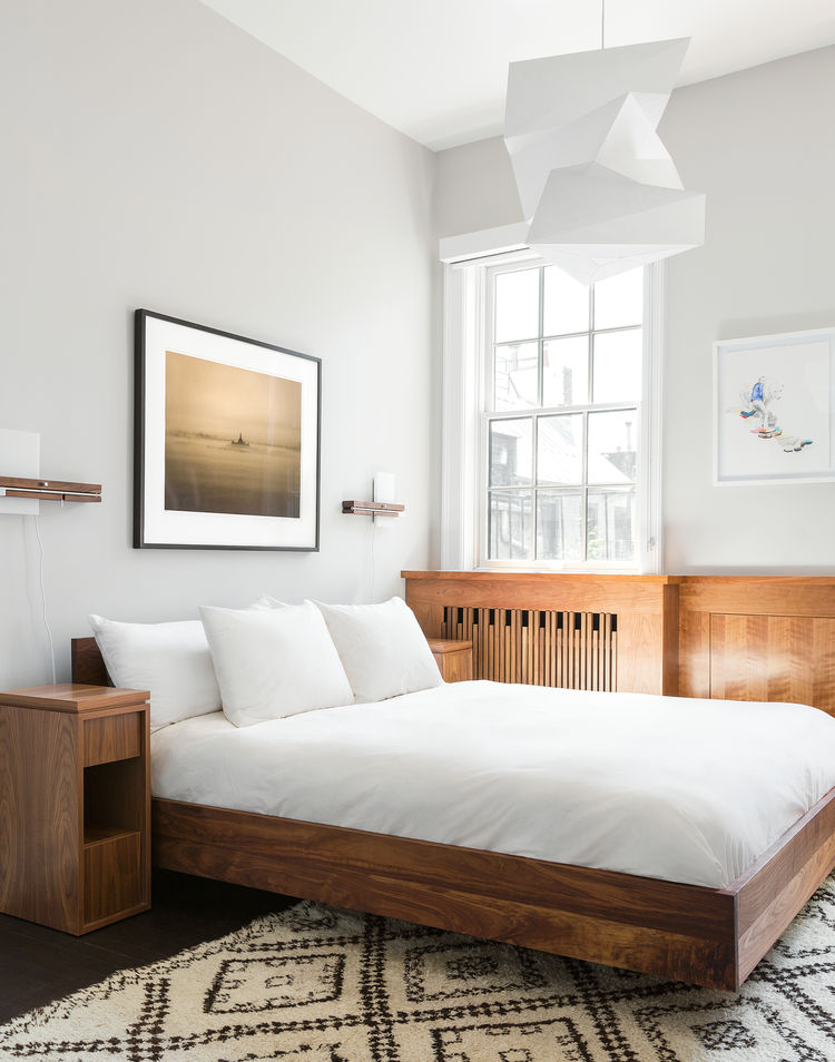 Minimalistic-and-midcentury-modern-bedroom-in-neutral-shades.jpg